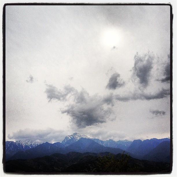 trace of sun山はよく見えているのですが 薄雲り^^;