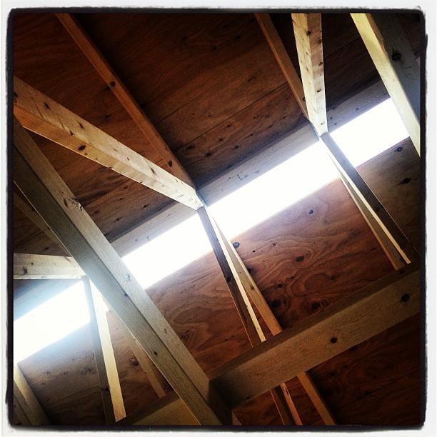 be building 屋根を貼り終える直前(^^)