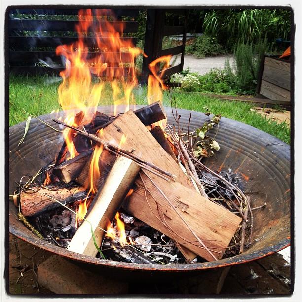 bonfire コッパを燃やすので ファイアベースを稼働(^^)