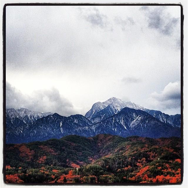 snowscape 今朝はまた少し お山に雪化粧(^^)だんだんと 厚化粧になって行くんだろう(^^;そのうち 白塗りに…
