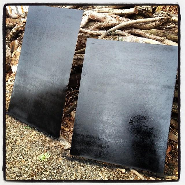 blackboard 黒板塗料を施工。薄手のベニヤを黒板に^^