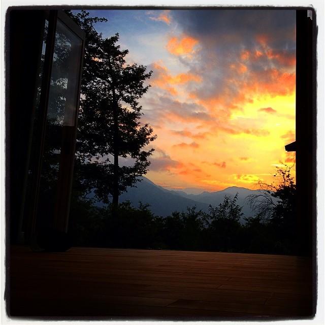prospectnagasaka*base 母屋からの夕陽の眺望^^