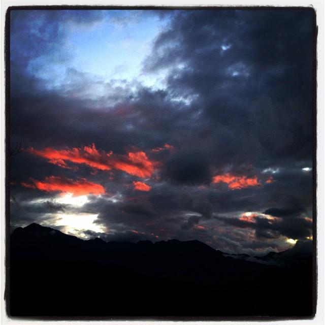 sunset color nagasaka*base 夕暮れだけいい天気^^;空が綺麗にいろづきました^^