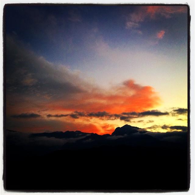 sun declines日が沈んでいく 秋迫るnagasaka*base^^