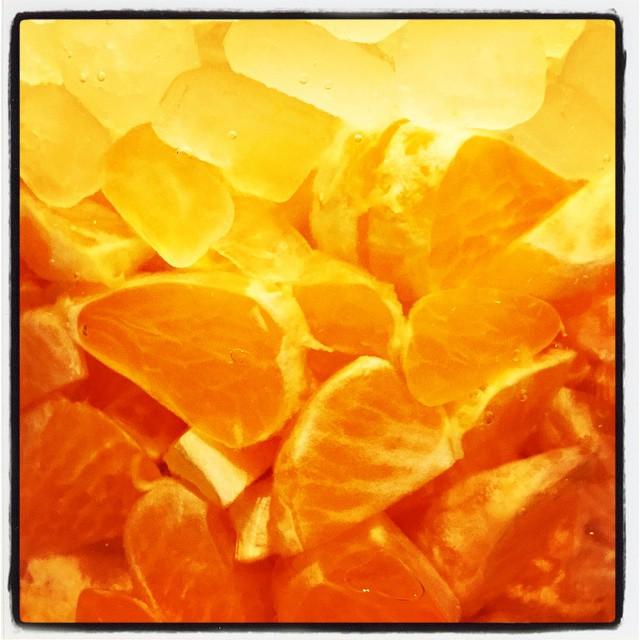 mandarin orange みかんをたくさん頂いたので ビネガーを漬け込みました^^