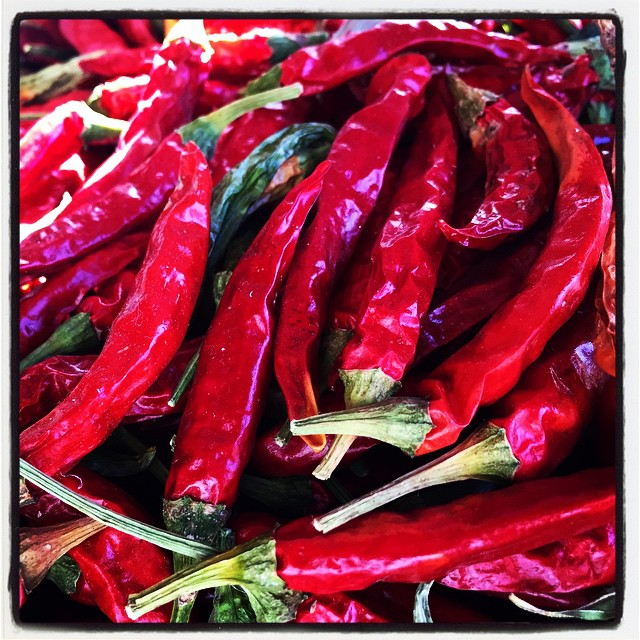 chili pepper 畑で採れた唐辛子の天日干し乾燥がいい感じに仕上がりました^^