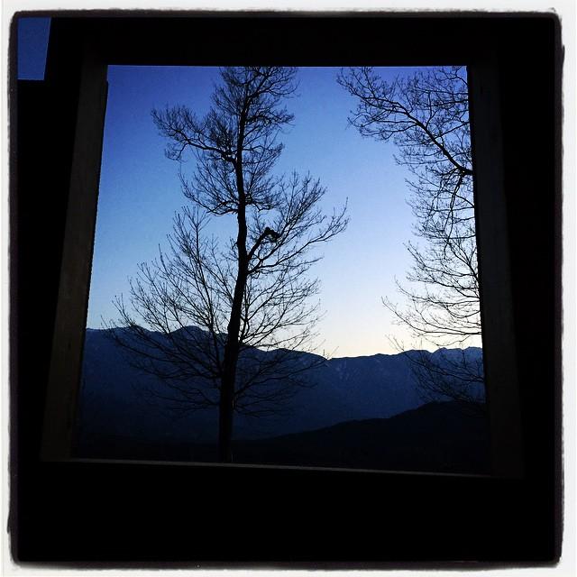 see the mountain from the toilet window mountain*mountainのトイレからも南アルプスが見えます^^ #nagasakabase #mountainmountain #そといれ #そんなあなたはスパイシー