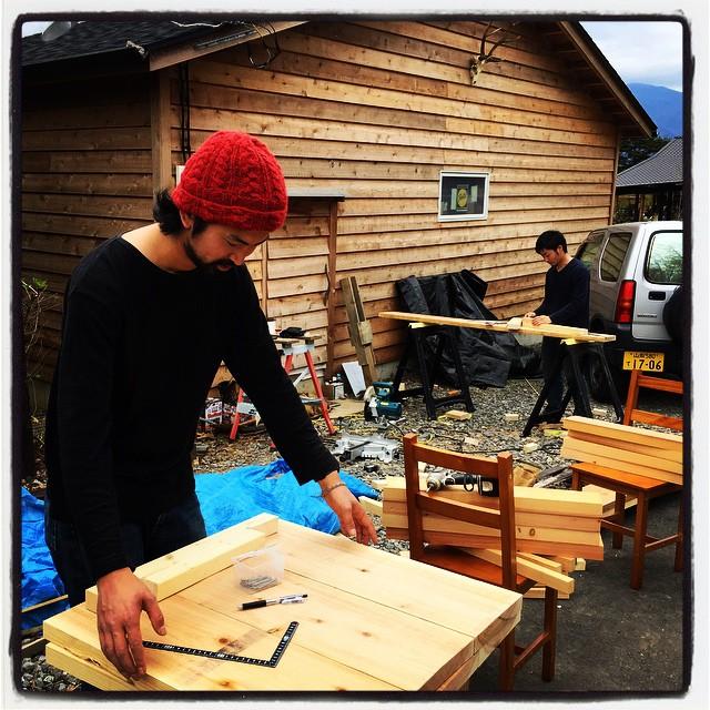 helper 月末に 増富温泉の釣堀を改装して居酒屋さんをオープン予定で 忙しいなかのヘルプでした^^ #mountainmountain #nagasakabase #そんなあなたはスパイシー