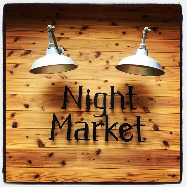 night market 今月末にも新しくオープンする Night Marketさん^^オーナーの竜也くんと 大工で設計士で家具職人でもある やっさんのこだわりとセンスが詰まったかっちょいいお店に仕上がってました^^ 週末には 朝食からオープンする予定とのこと^^ オープンが楽しみです^^ こだわりの内装は 是非行ってみてください^^ #そんなあなたはスパイシー #NightMarket
