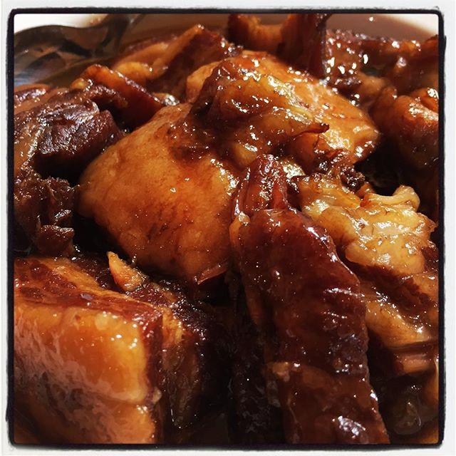 kakuni 煮込んでいた角煮は 八角のきいたタレが即染み込んで いい感じにに仕上がりました^^ 数量限定でお出ししています^^売切れm(._.)m なので お早めに^^ #nagasakabase #mountainmountain #そんなあなたはスパイシー