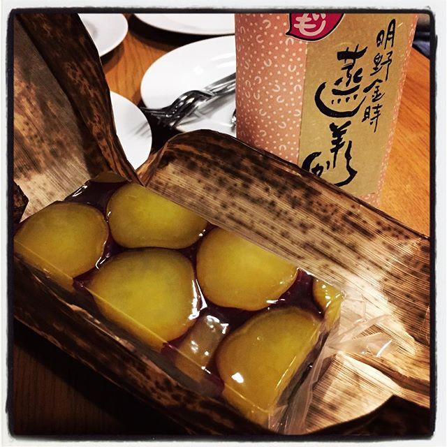 sweet jelly of beans 台ヶ原・金精軒でこの時期だけ販売されている 明野金時を贅沢に使った 芋羊羹^^ 中までリッチでした^^ #nagasakabase #mountainmountain #そんなあなたはスパイシー