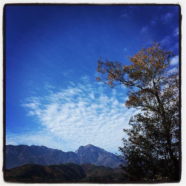 good mo けさの雲はいい感じ^^ #nagasakabase #mountainmountain #そんなあなたはスパイシー