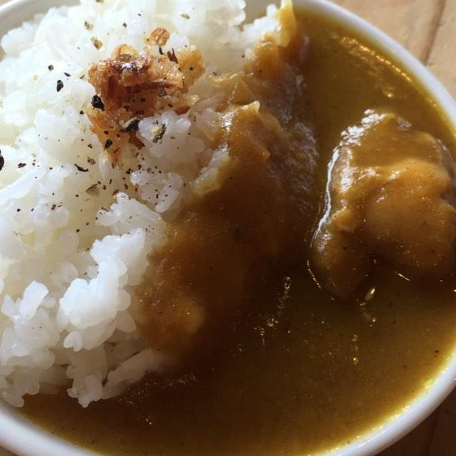 butter chicken curry 昼にアップしたカレーですが あれは撮影用^^本物はご飯とルーは別盛りで サイズももっとボリューミーです^^ ちっちゃ^^; #nagasakabase #mountainmountain #そんなあなたはスパイシー