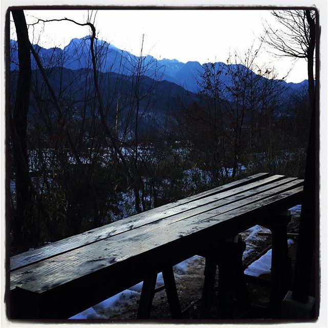 wood deck 母屋のウッドデッキの作業を再開^^やっと周辺の雪もとけて来たので いまのうちになんとかカタチに持っていきたい^^ #nagasakabase #mountainmountain #そんなあなたはスパイシー #mountainlife