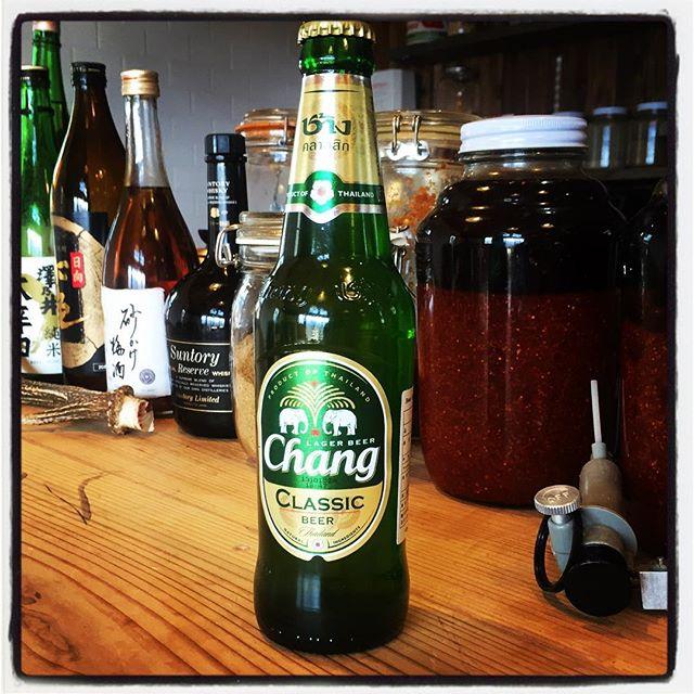 chang mountain*mountain タイよりchang・チャーンビールが入荷してます^^ 外は寒いですが すぐにあたたたたかーくなるメニュー用意してお待ちしてます^^ 本日は金曜日! 夜もやってます^^ #mountainmountain #nagasakabase #そんなあなたはスパイシー