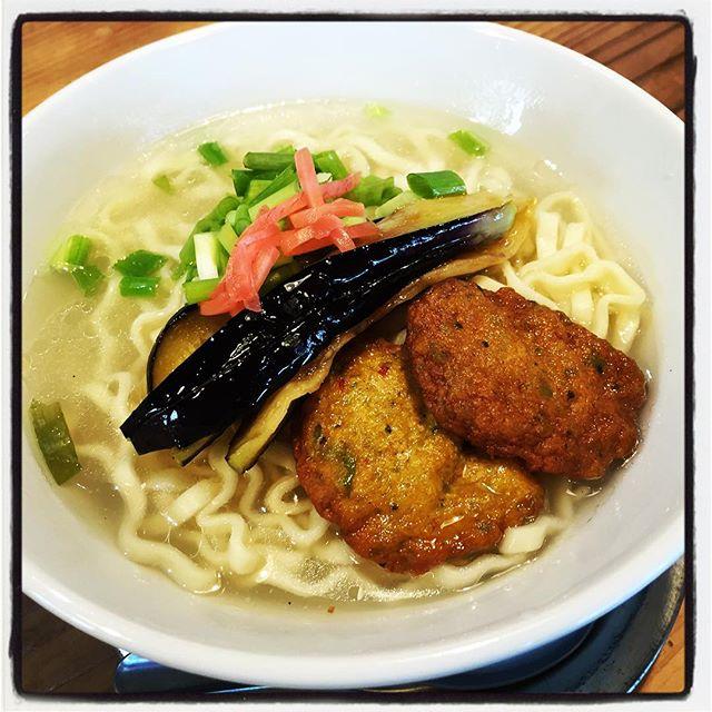 okinawa soba 沖縄から食材が届いたので 今日の賄いは沖縄そば^^ 賄い専用スペシャルバージョンで 美味しくいただきました^^ 自家製コーレーグースを ちょっと効かせ過ぎました^^; #mountainmountain #nagasakabase #そんなあなたはスパイシー #mountainlife #okinawa #沖縄そば