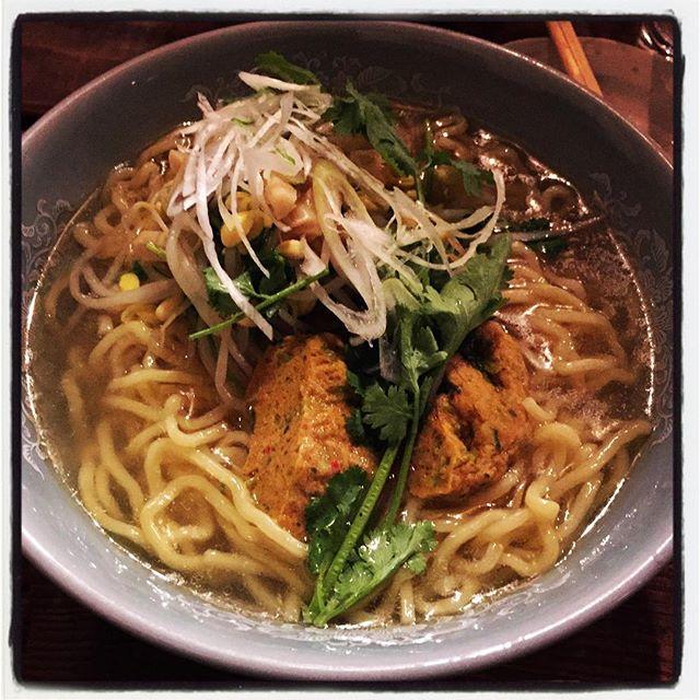 phakchi noodle さの屋で パクチーラーメン食べる^^ #nagasakabase #mountainmountain #そんなあなたはスパイシー #mountainlife #phakchi #coriander #cilantro #パクチー