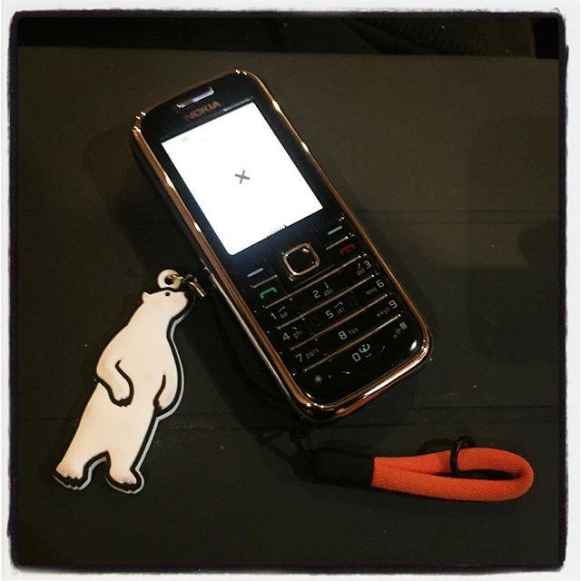 nokia お店・会社用に携帯を導入^^しばらく前からで 一部番号を掲載しておりますが 改めて^^ ご予約、お仕事の依頼はこちらまで!090-8841-6797または0551-45-6797まで よろしくお願いします。今までの携帯番号も引き続き使えます^^ 通話とsmsが出来ればよかったのですが 最近のはいろんな機能がついているので 取り敢えず¥0で契約。以前は海外メインで使っていたNokiaとsimをちょっといじって復活^^ やっぱりこのぐらいシンプルなのがいいな^^ #nagasakabase #mountainmountain #そんなあなたはスパイシー #Nokia