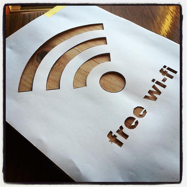 stencil きっちりと ではなくザックリと^^ free Wi-Fiあります的なサインボードを^^ #mountainmountain #nagasakabase #そんなあなたはスパイシー #mountainlife #free #freewifi