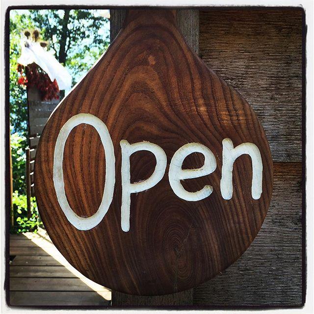 open 本日も オープン^^ ランチタイムからディナータイムまで!11:30-16:30 17:30-20:00までのオープンとなります^^ ゆるりとお待ちしております^^ #mountainmountain #nagasakabase #そんなあなたはスパイシー #mountainlife