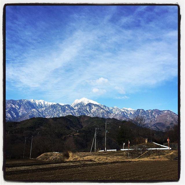 snowcap 甲斐駒の雪がまた^^昨日よりも白くなった気がする^^; #nagasakabase #mountainmountain #そんなあなたはスパイシー #mountainlife #snowcap #甲斐駒ヶ岳