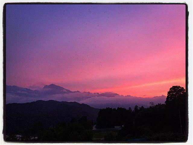 the summer solstice 夏至の頃の夕焼け^^ 買い物帰り 途中で車停めて^^ #mountainmountain #nagasakabase #そんなあなたはスパイシー #mountainlife #夏至