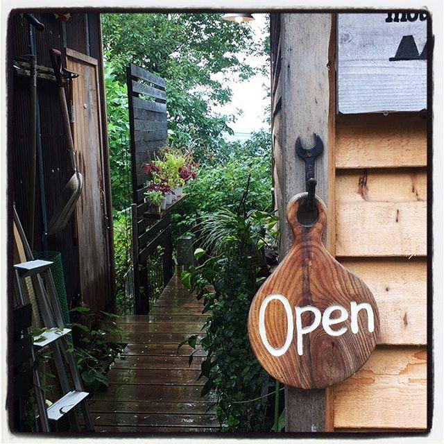 rainfall - open 雨降りで寒いですが 静かに営業しています^^ 電話が壊れたのかと思うほど静かです^^; ︎ #mountainmountain #nagasakabase #そんなあなたはスパイシー #mountainlife #open #rainfall