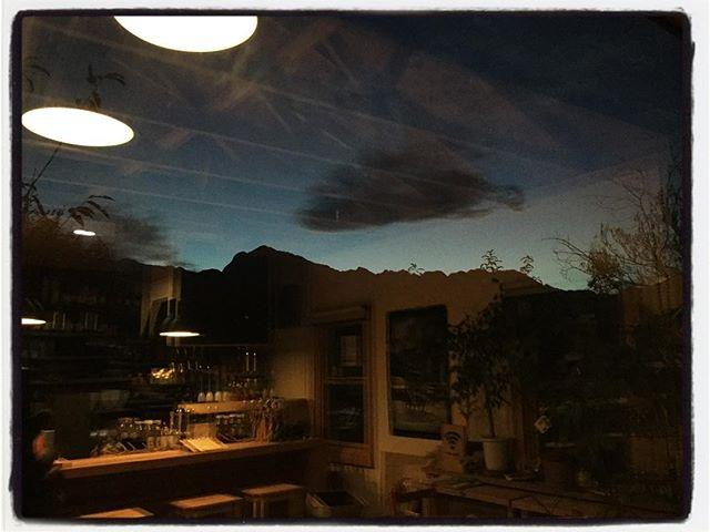 deep 日が落ちていきます︎ ランチタイムには大勢のお客様で sold outが何品か出てしまいまきた^ ^; ディナータイムは18時から のんびりとオープンする予定です︎ #mountain #mountain mountain #nagasaka #nagasakabase #yatsugatakebase #yatsugatake #そんなあなたはスパイシー #山梨 #北杜 #移住 #定住 #旅人 #vagabond #料理人 #chef #photographer #cameraman #カメラマン #写真家 #japan #food #料理 #foodpic #foodstagram #foodie #restaurant #kitchen #stories