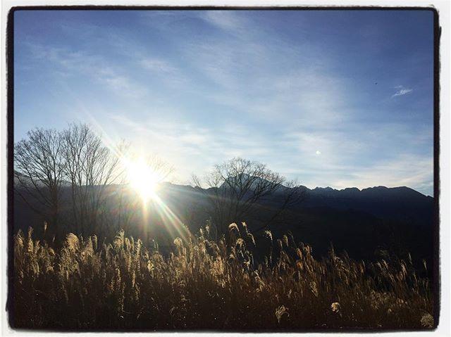 2017/12/18 sunset昨日の夕暮れ︎ 陽が陰り出すと一気に寒くなる・・サムクナル^^; #mountain #mountain mountain #nagasaka #nagasakabase #yatsugatakebase #yatsugatake #そんなあなたはスパイシー #山梨 #北杜 #移住 #定住 #旅人 #vagabond #料理人 #chef #photographer #cameraman #カメラマン #写真家 #japan #food #料理 #foodpic #foodstagram #foodie #restaurant #kitchen #stories