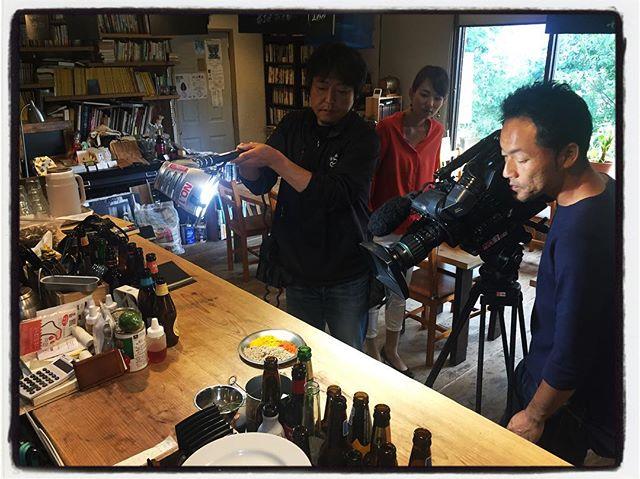 tvテレビの撮影中︎11日放送予定の カレーの特集︎ #mountain #mountainmountain #nagasaka #nagasakabase #yatsugatakebase #yatsugatake #そんなあなたはスパイシー #山梨 #北杜 #移住 #定住 #旅人 #vagabond #料理人 #chef #photographer #cameraman #カメラマン #写真家 #japan #food #料理 #foodpic #foodstagram #foodie #restaurant#kitchen #stories